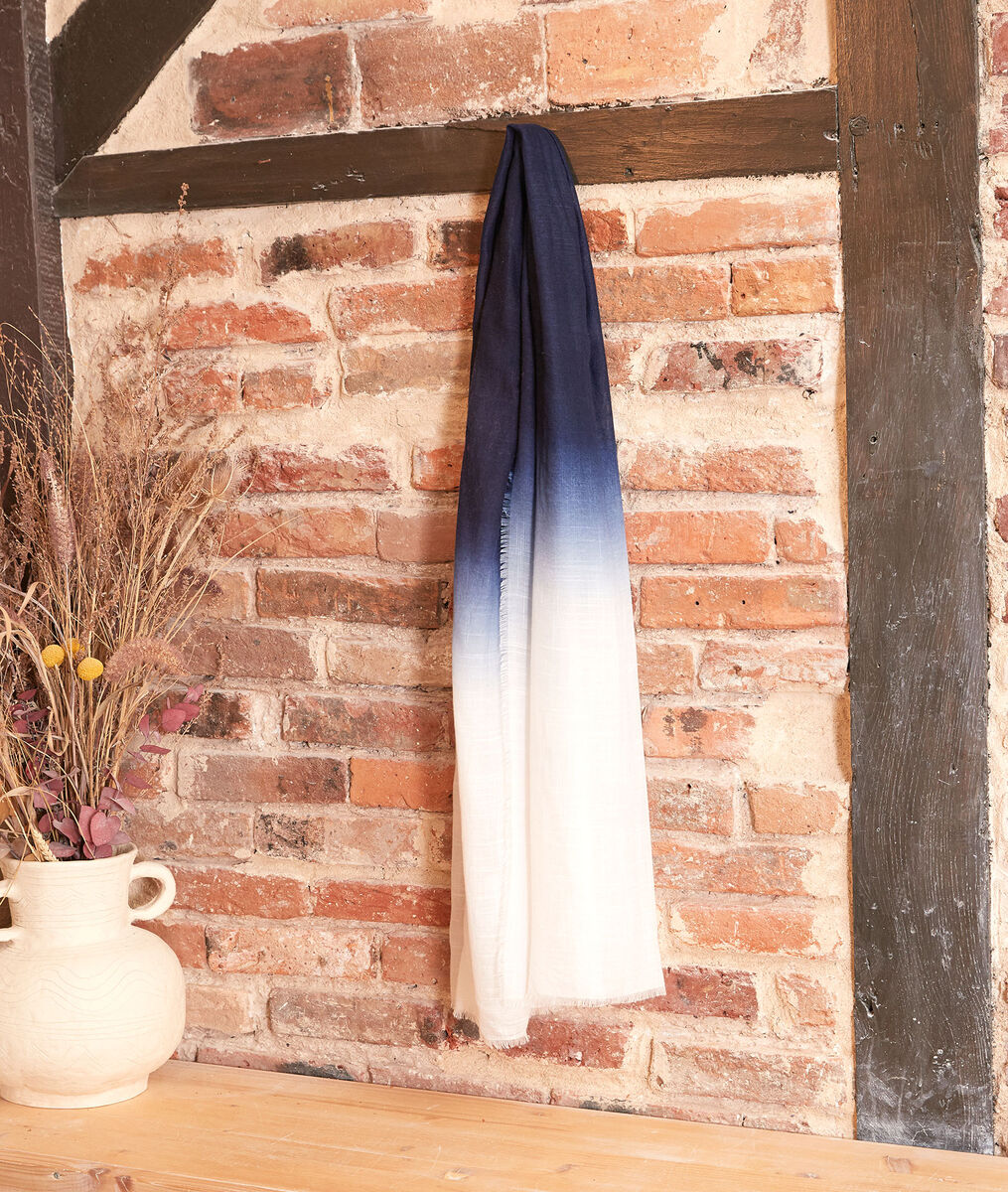Calvin tie-dye scarf PhotoZ | 1-2-3