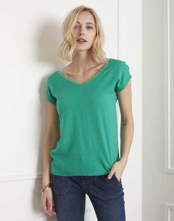 Passion green T-shirt with lace neckline PhotoZ | 1-2-3