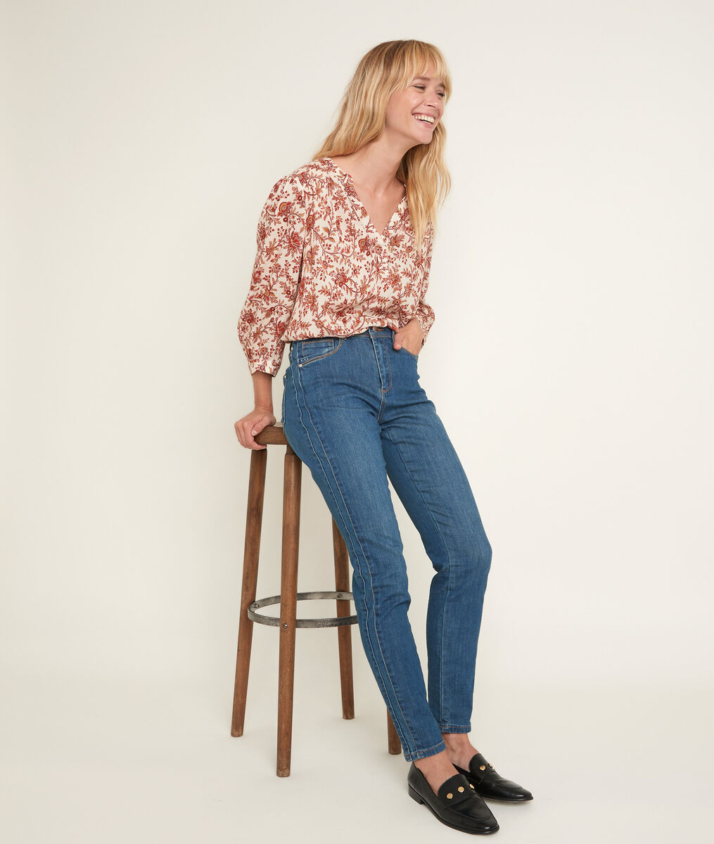 Paola, the Iconic slim-fit stone-washed used jeans PhotoZ | 1-2-3