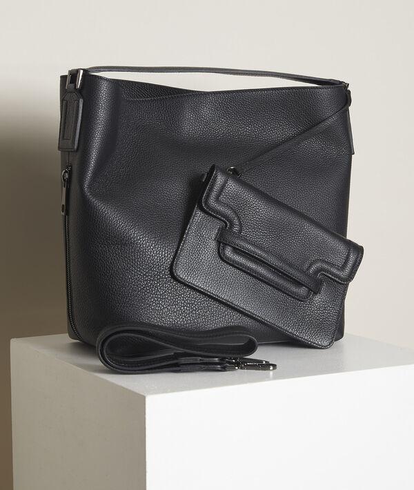 The Numéro 2 black Iconic bag PhotoZ   1-2-3