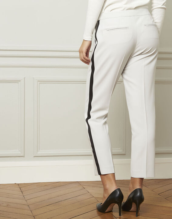 Suzanne pale grey trousers with a black microfibre band (3) - Maison 123