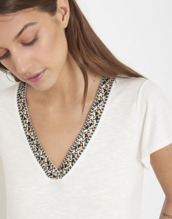 Penelope ecru T-shirt with decorative neck (3) - Maison 123