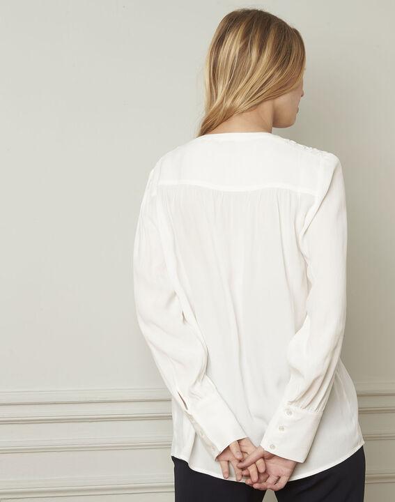 Valda ecru V-neck viscose blouse  (3) - Maison 123