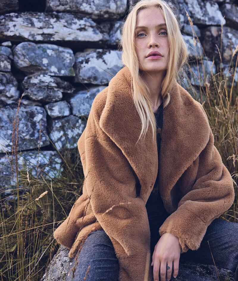 Lauren short faux-fur camel coat PhotoZ | 1-2-3