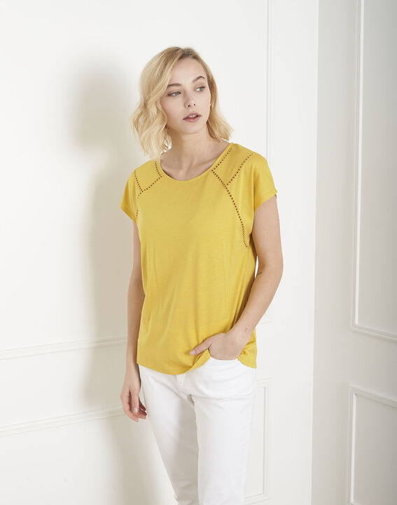 Provence yellow T-shirt with ladder lace trim (2) - Maison 123