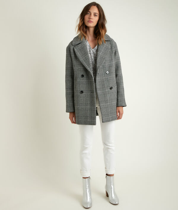 Oprah 3/4-length checked coat PhotoZ | 1-2-3