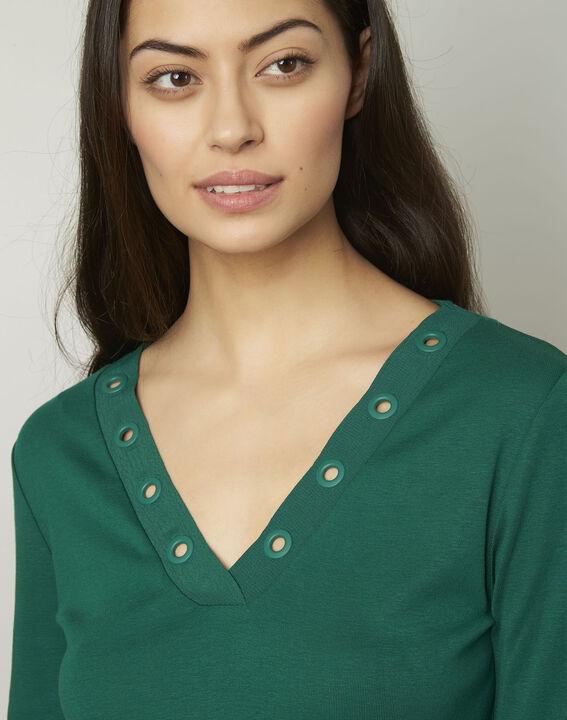 Basic green T-shirt with V-neck eyelet neckline (4) - Maison 123