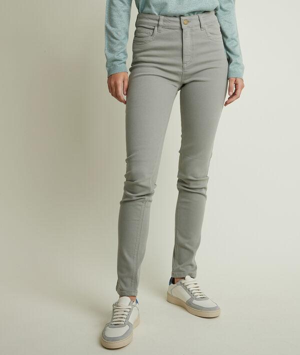 Suzy, the iconic slim-fit celadon jeans PhotoZ | 1-2-3