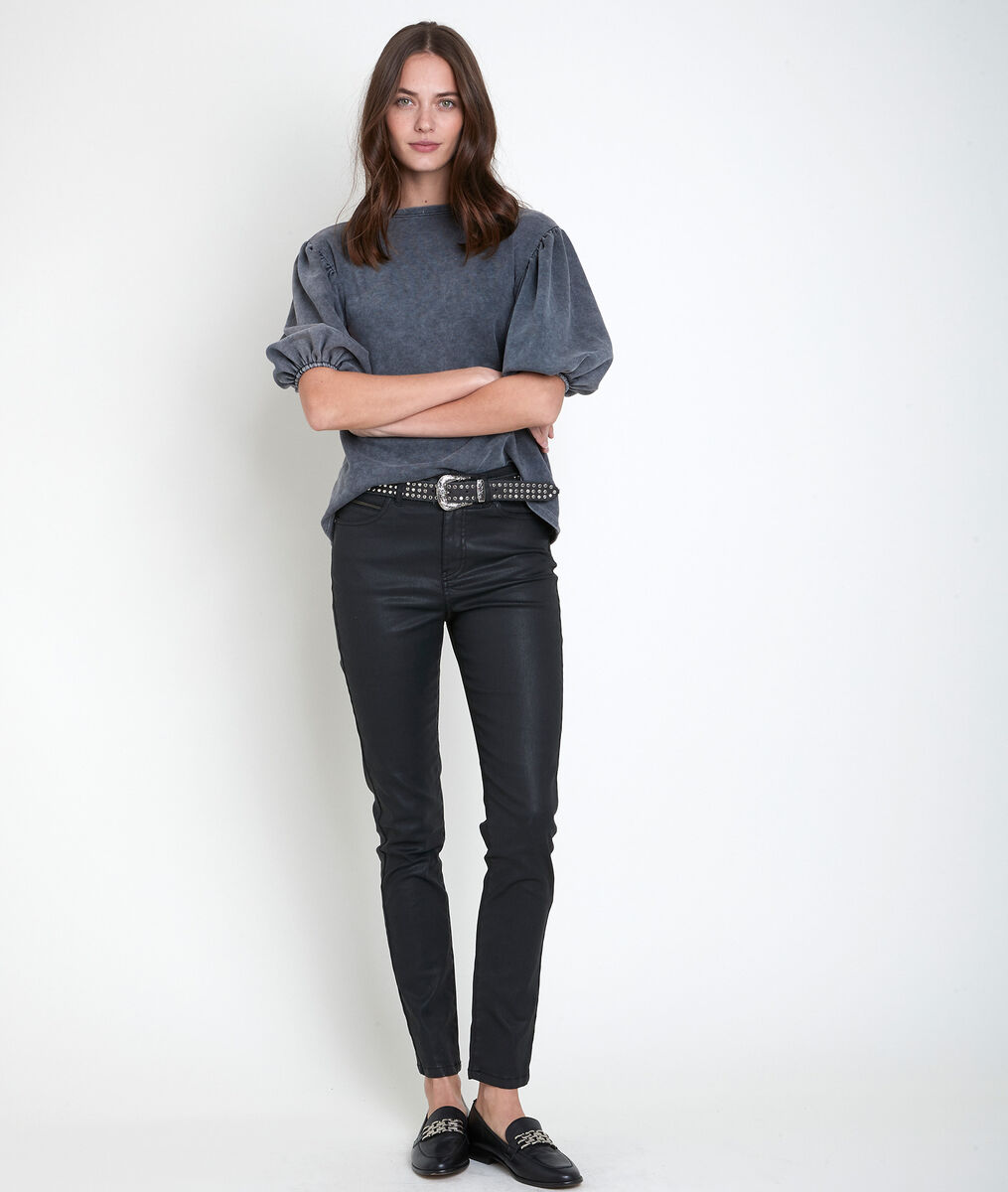 Sultan, the iconic slim-fit coated jeans PhotoZ | 1-2-3