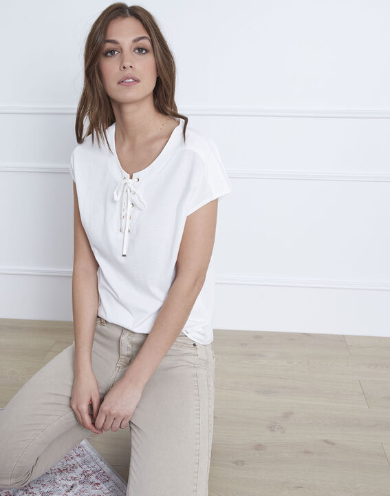 White cotton T-shirt with laced Porto neckline PhotoZ | 1-2-3