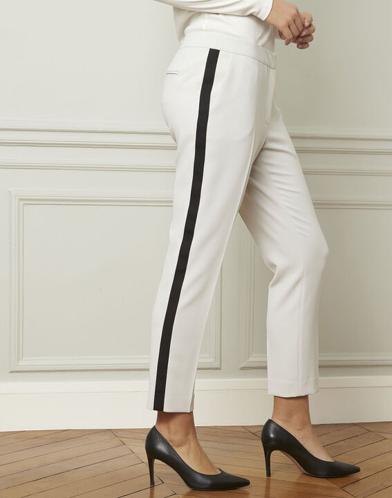Suzanne pale grey trousers with a black microfibre band (1) - Maison 123