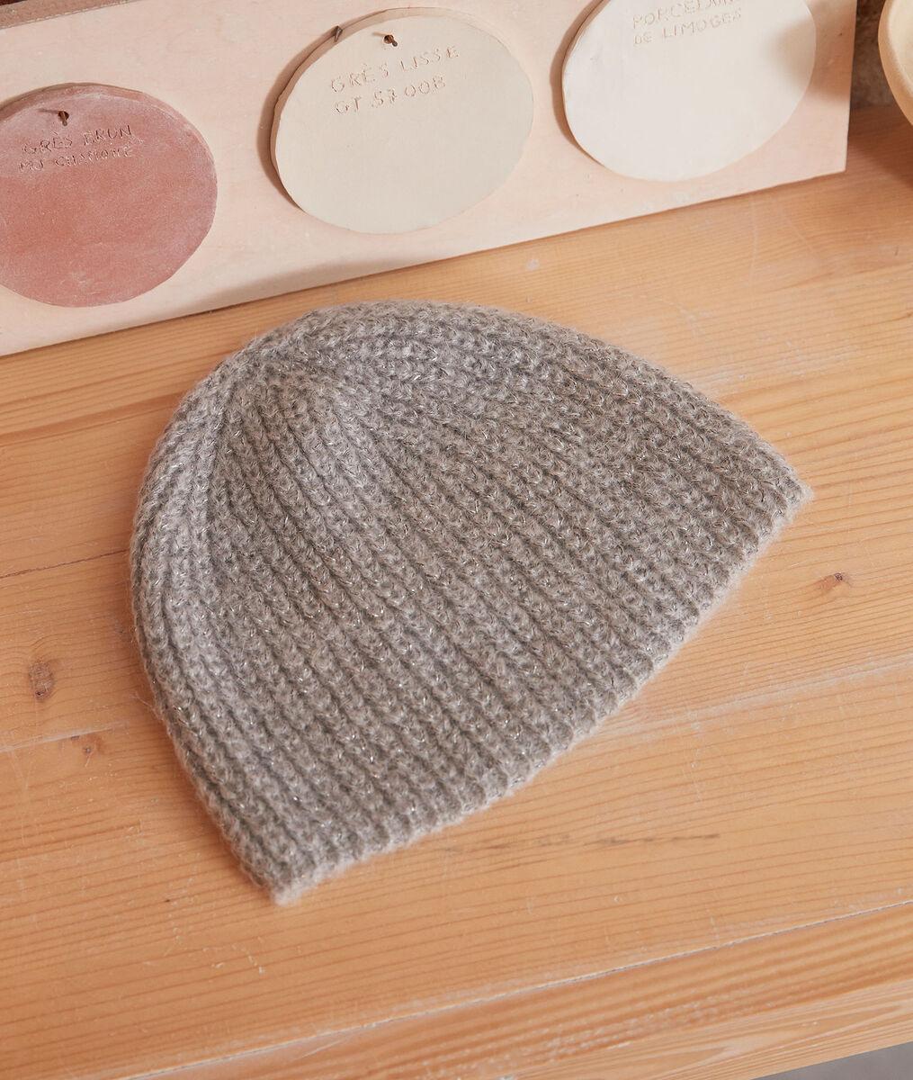 Zalina cable-knit beanie PhotoZ | 1-2-3