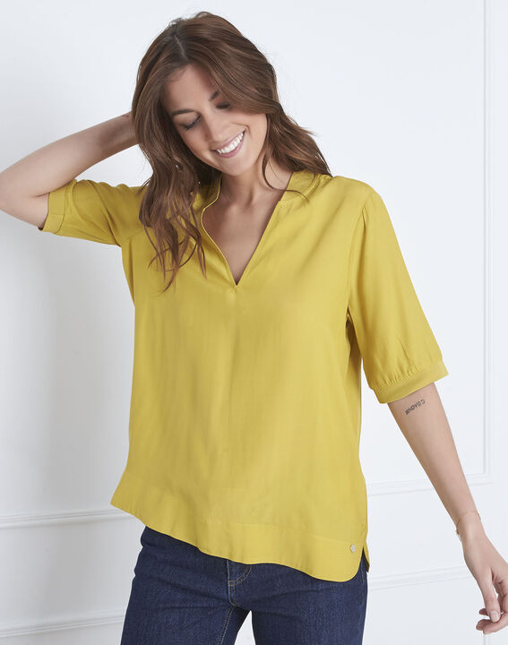 Virginie lime green V-neck flowing blouse PhotoZ | 1-2-3