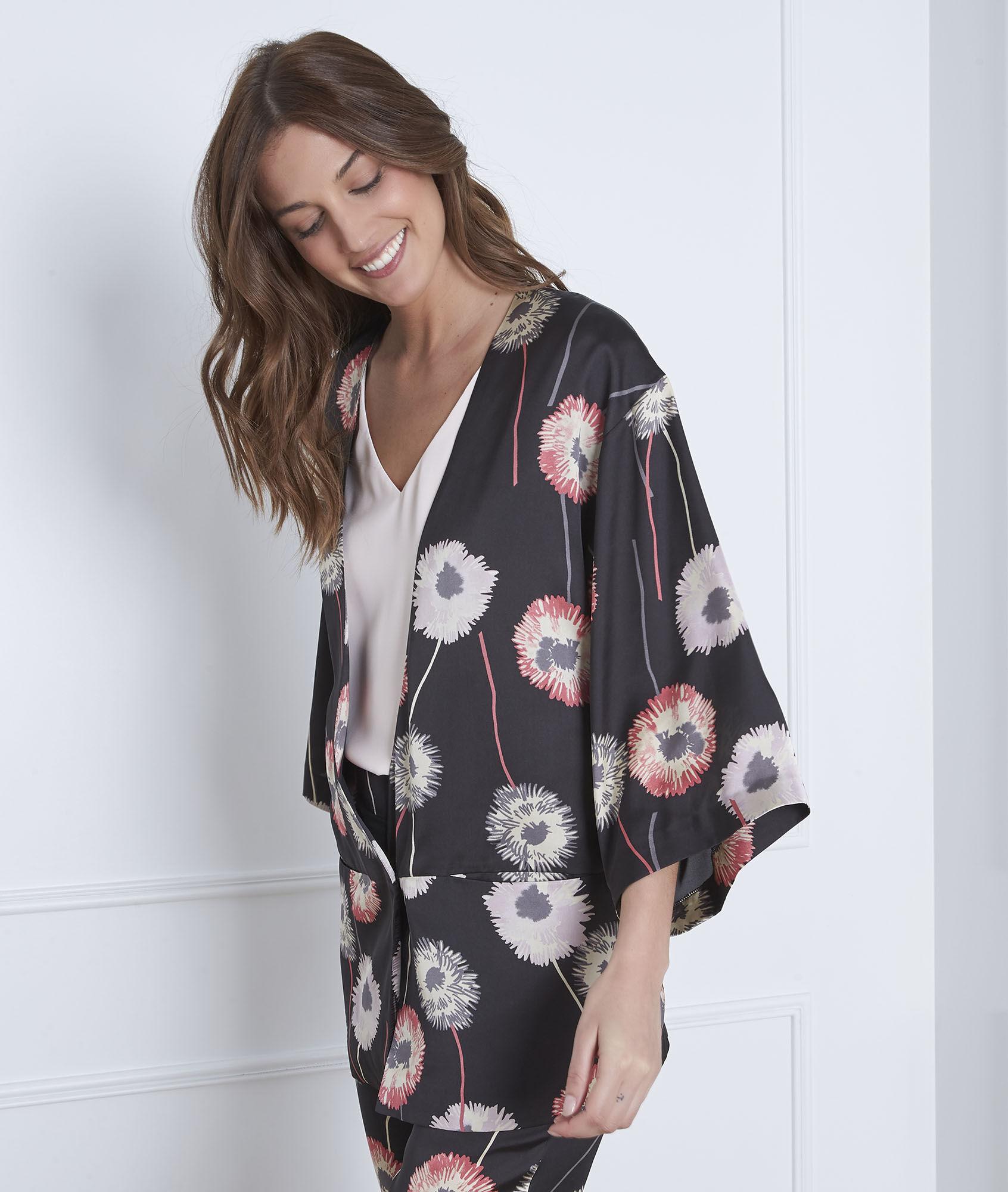 d88fd4b0b83c3 Flore satin-effect black floral print kimono - Maison Cent Vingt-Trois