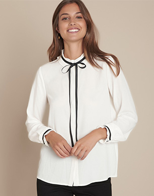 The blouse with bow collar in recycled polyester